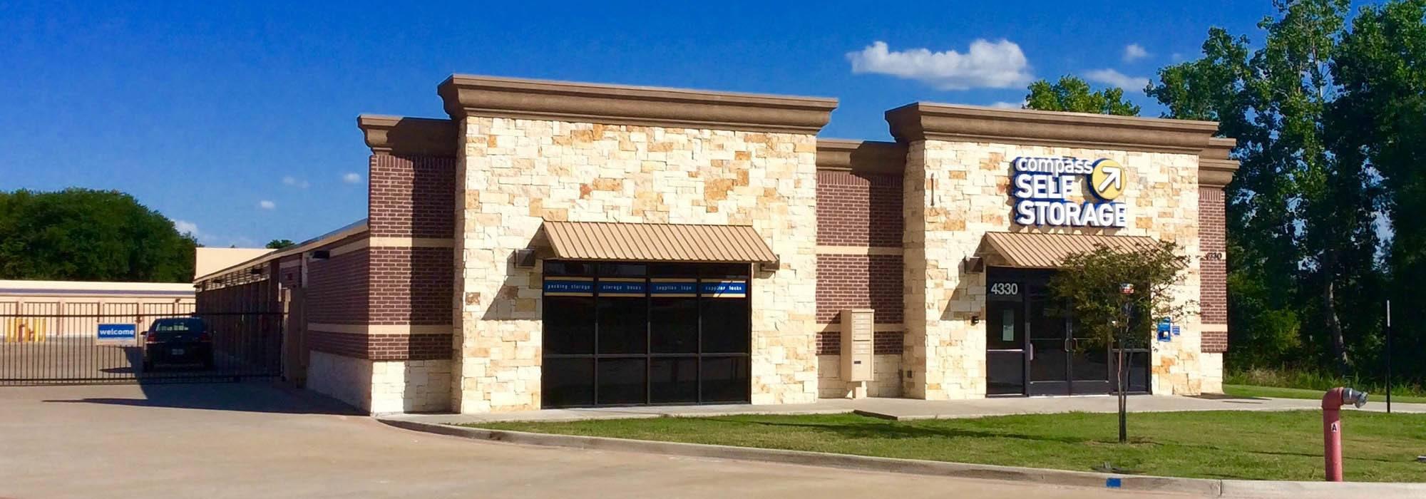 Self storage in Grand Prairie TX