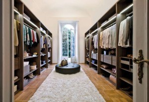 Closet to entryway