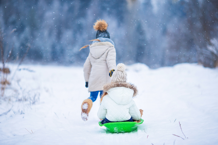2 people in the snow