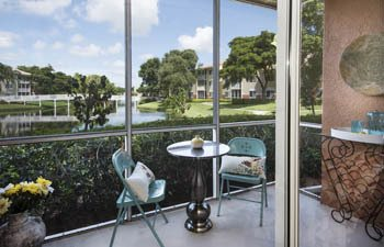 Quaint chairs and table at our Delray Beach luxury apartment community.