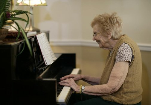 Learn new things everyday at our senior living facility in Tallahassee
