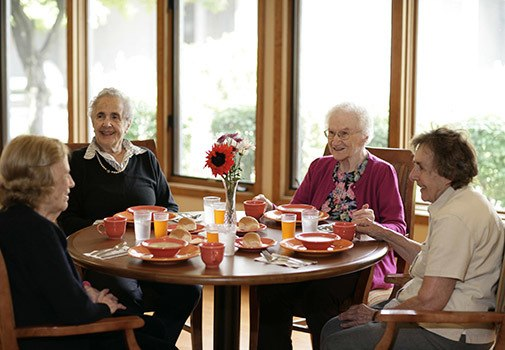 Find new friends at senior living in Auburn Hills
