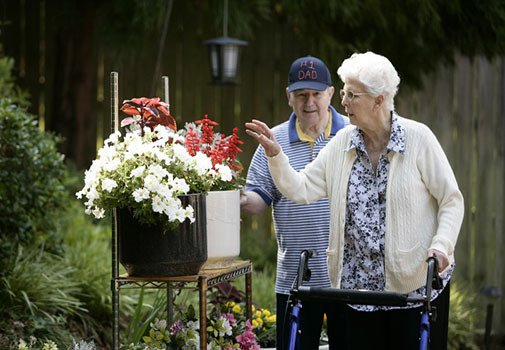 Find new friends at senior living in Columbia