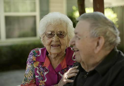 Find new friends at senior living in Lady Lake