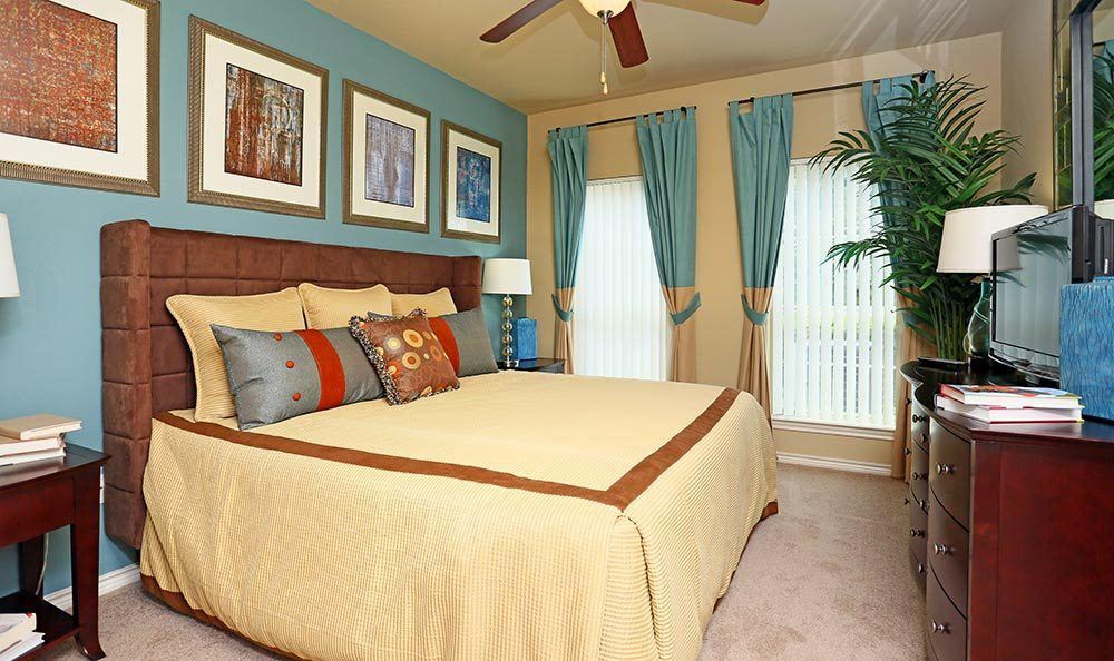 Bedroom at apartments for rent at Sorrento at Tuscan Lakes