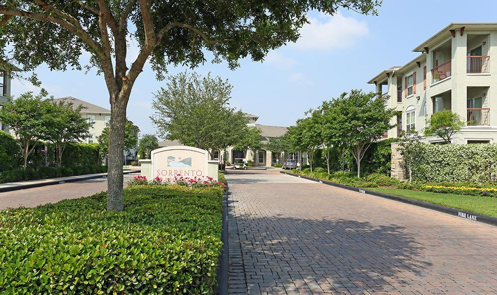Exterior sign of Sorrento at Tuscan Lakes apartments in League City, TX