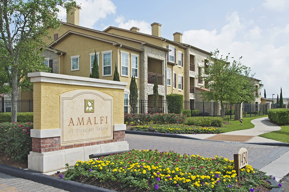 Welcome to Amalfi at Tuscan Lakes