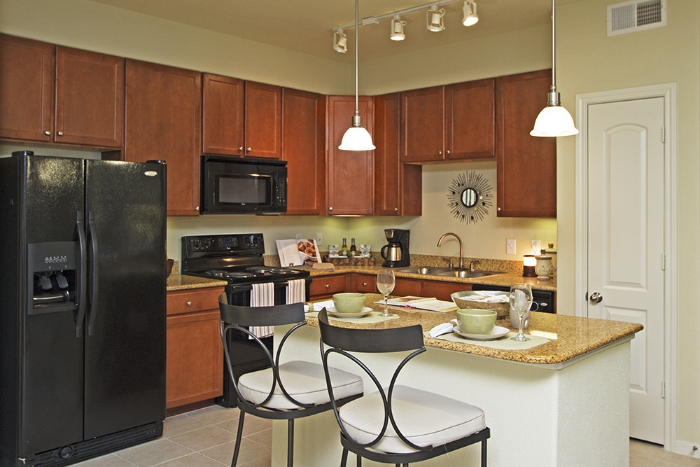 Modern Kitchen at Amalfi at Tuscan Lakes apartments for rent in League City