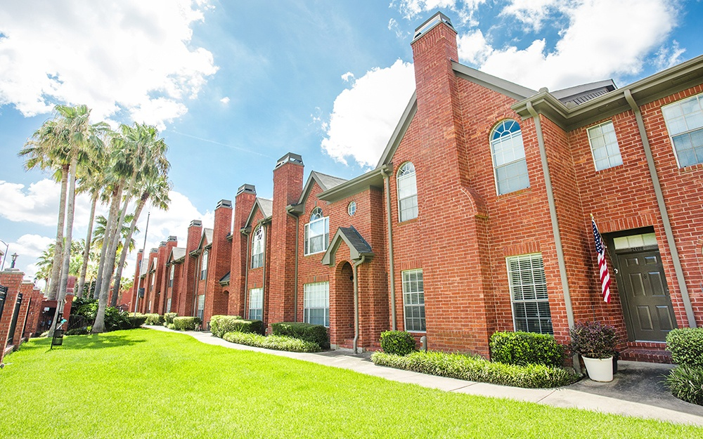 Luxury Town Homes at Plaza at The Medical Center