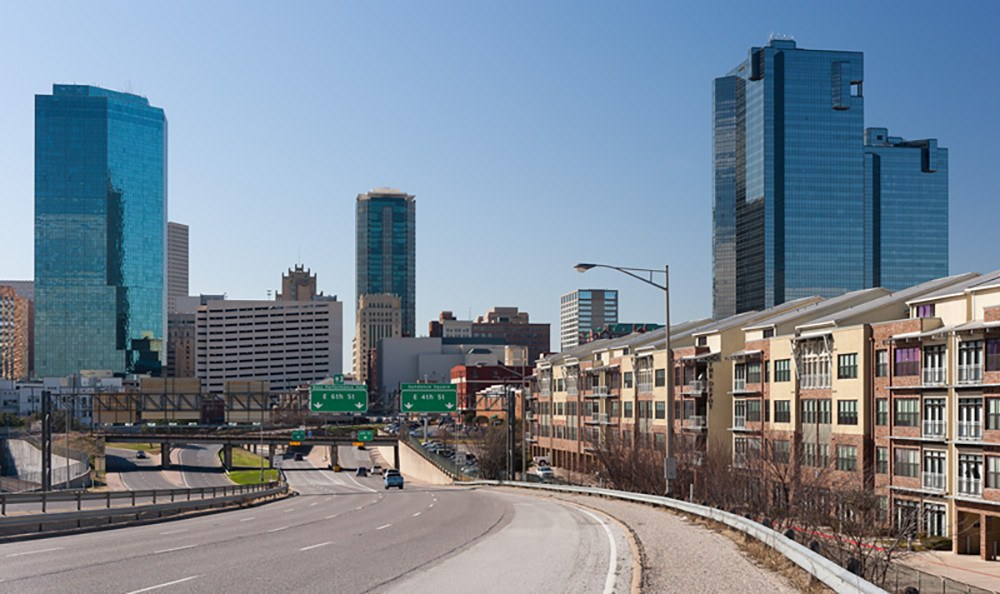 View of Spur 280 on another sunny day here in Fort Worth, right near our apartment community at The Depot.