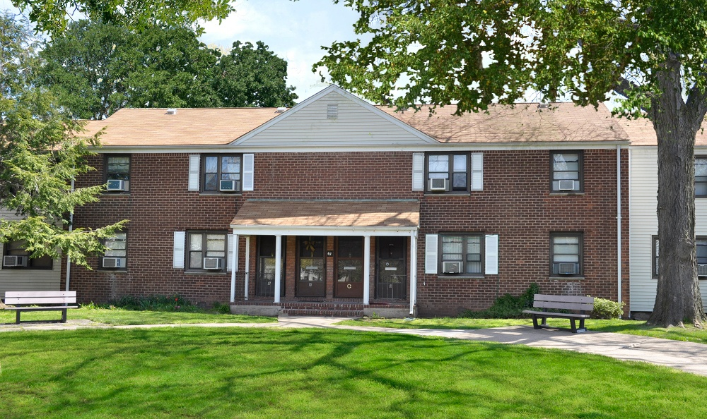 Photos of Richfield Village Apartments in Clifton, NJ
