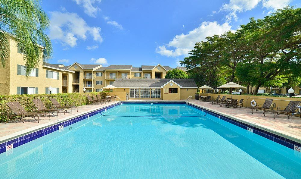 Resort-style pool at Palmetto Place Apartments in Miami.