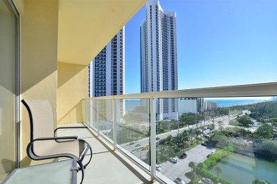 Private balcony at apartments for rent at Marina del Mar.