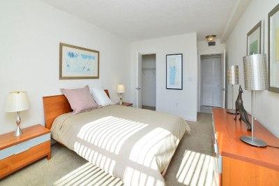 Spacious bedrooms at apartments for rent at Marina del Mar.