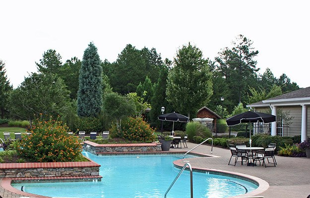 Poolside, you'll feel like you're relaxing at a secluded vacation resort here at The Vinings at Newnan Lakes