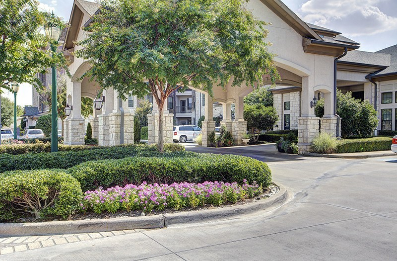Get a feel for the beauty of our senior living community in Keller, TX, even as you arrive in our main driveway.