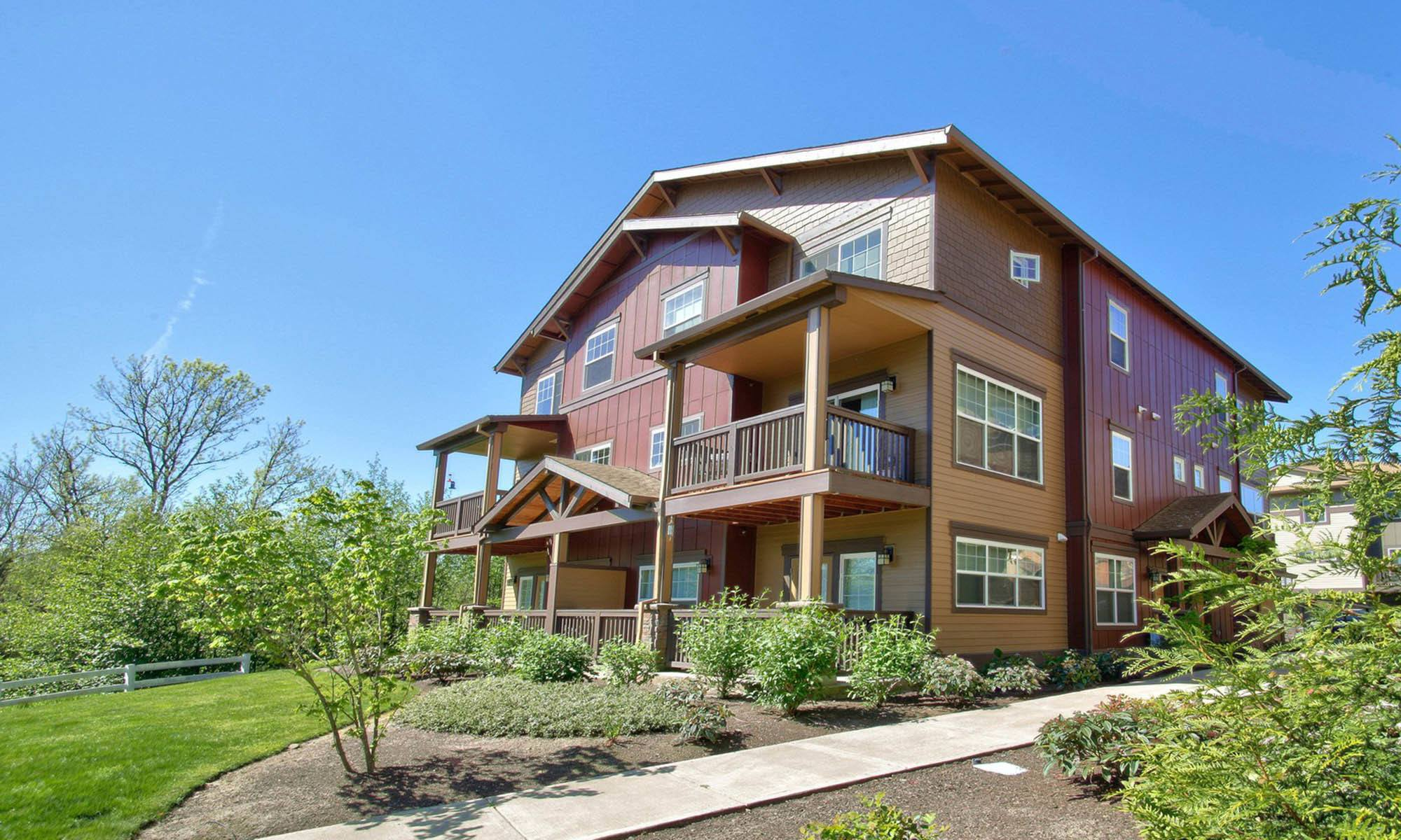 Live among the beauty that is the northwest at Sunset Crossing apartments in Beaverton.