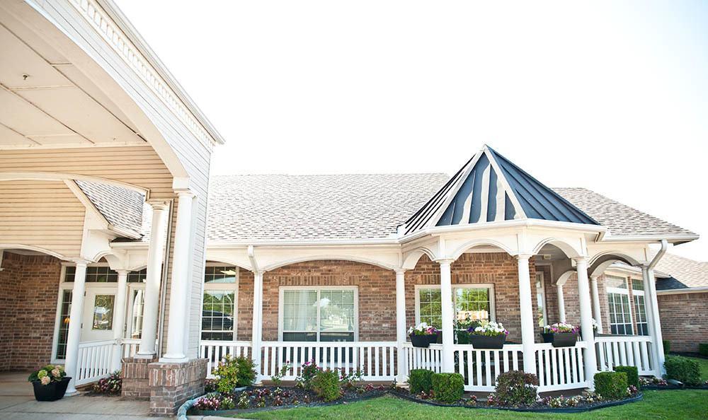 Exterior views of Rambling Oaks Courtyard Extensive Care Community