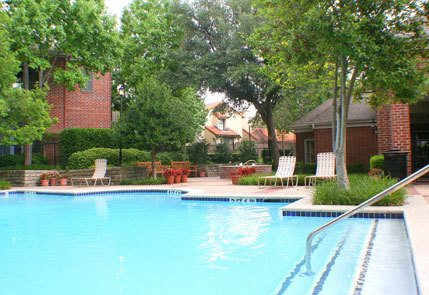 Luxury pool area at the apartments in richardson