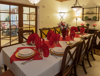 Senior living in Sandy includes private dining.