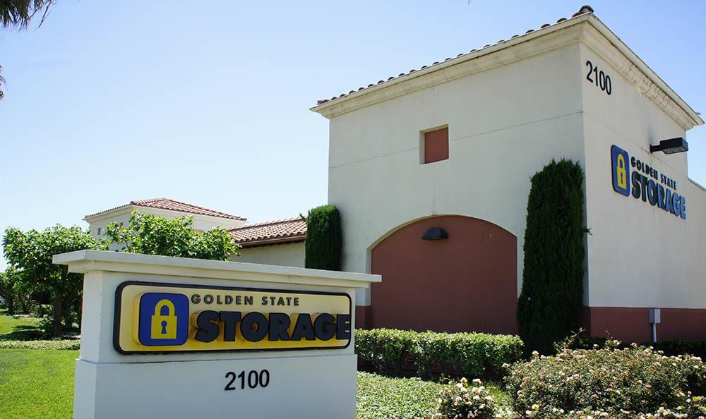 self storage in oxnard california sign
