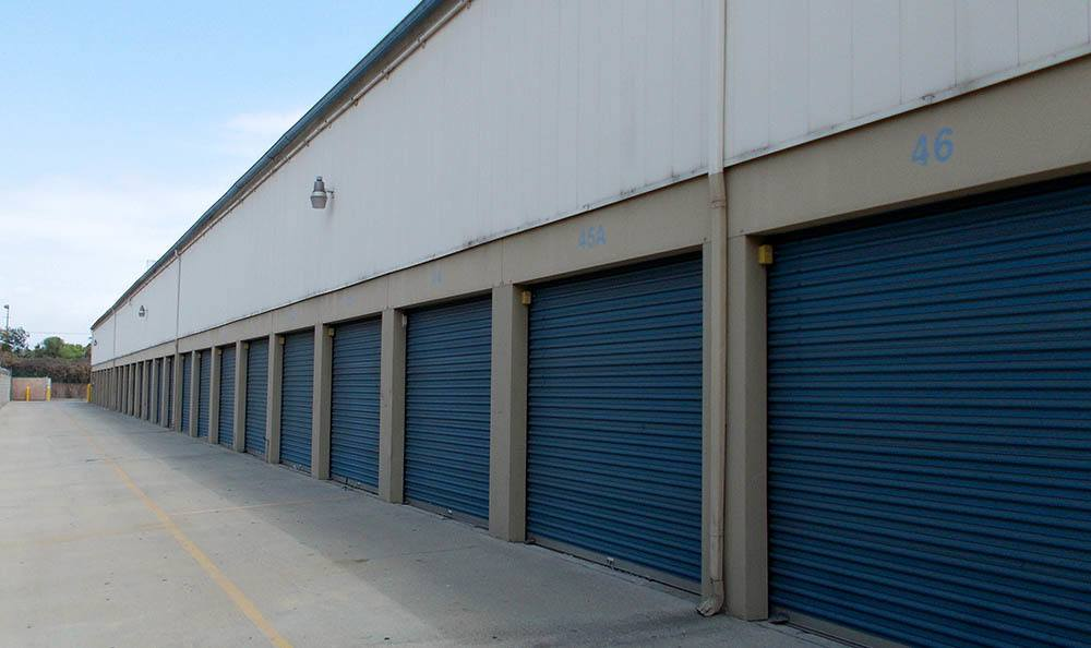 self storage in north hills california units