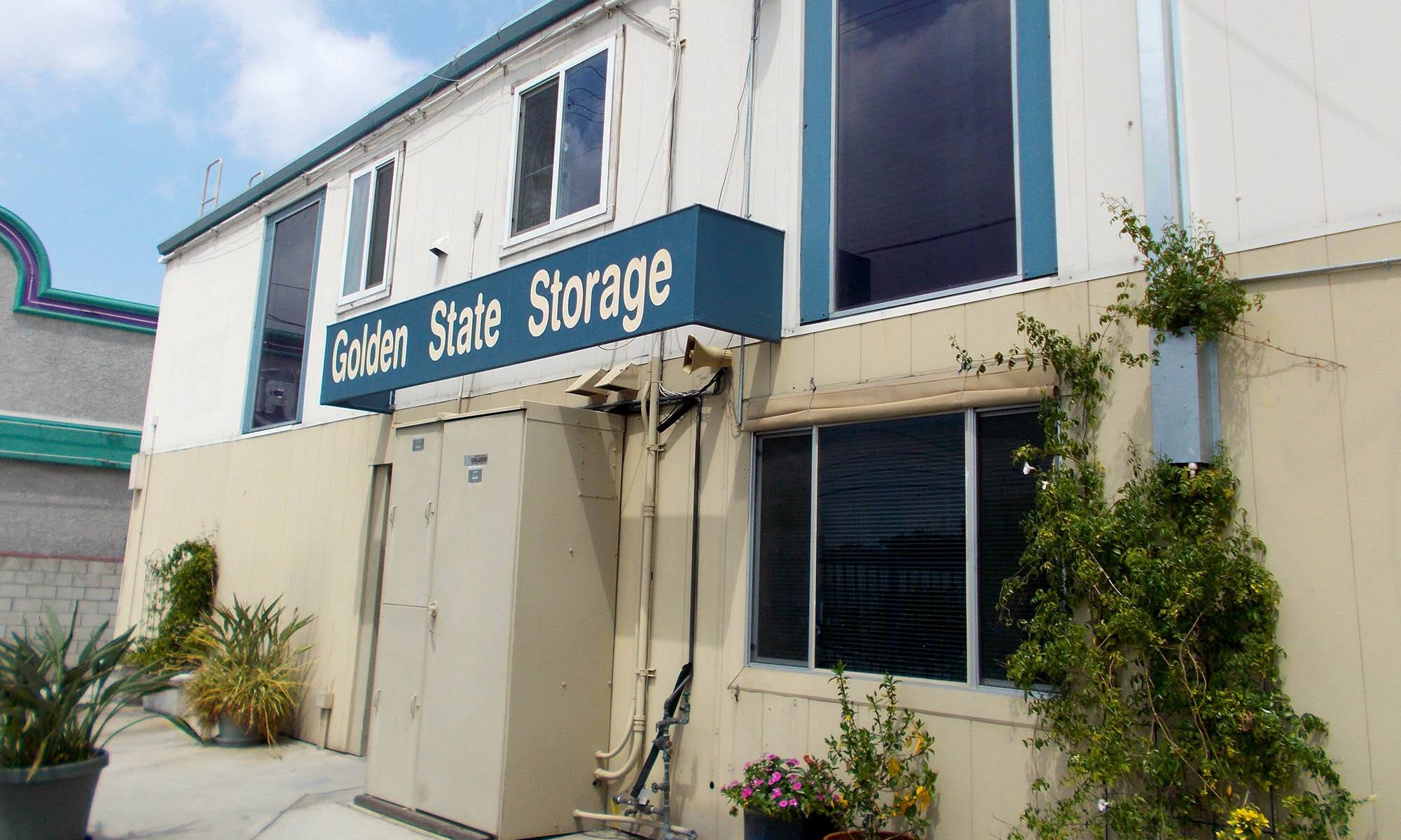 self storage in North Hills california