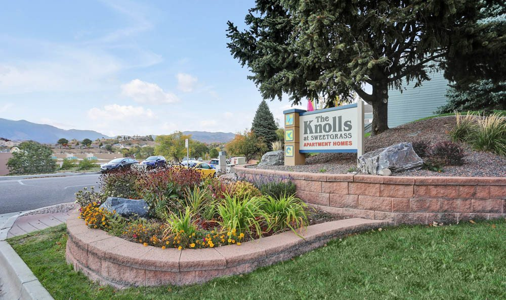 Welcome to The Knolls at Sweetgrass Apartment Homes In Colorado Springs CO
