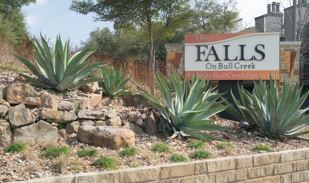 Welcome to Falls on Bull Creek Apartments In Austin TX