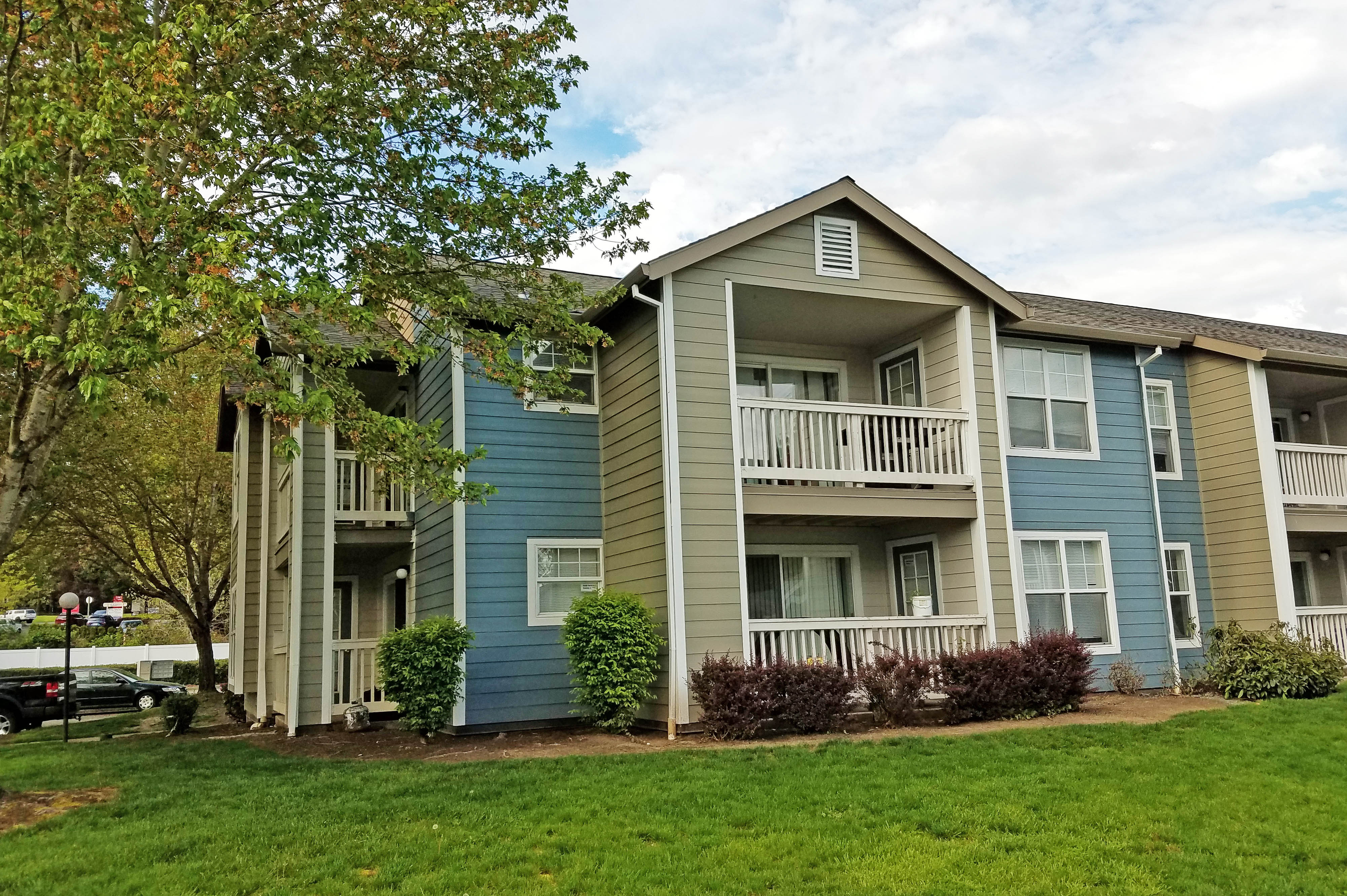 Tualatin View affordable apartments in Portland Oregon
