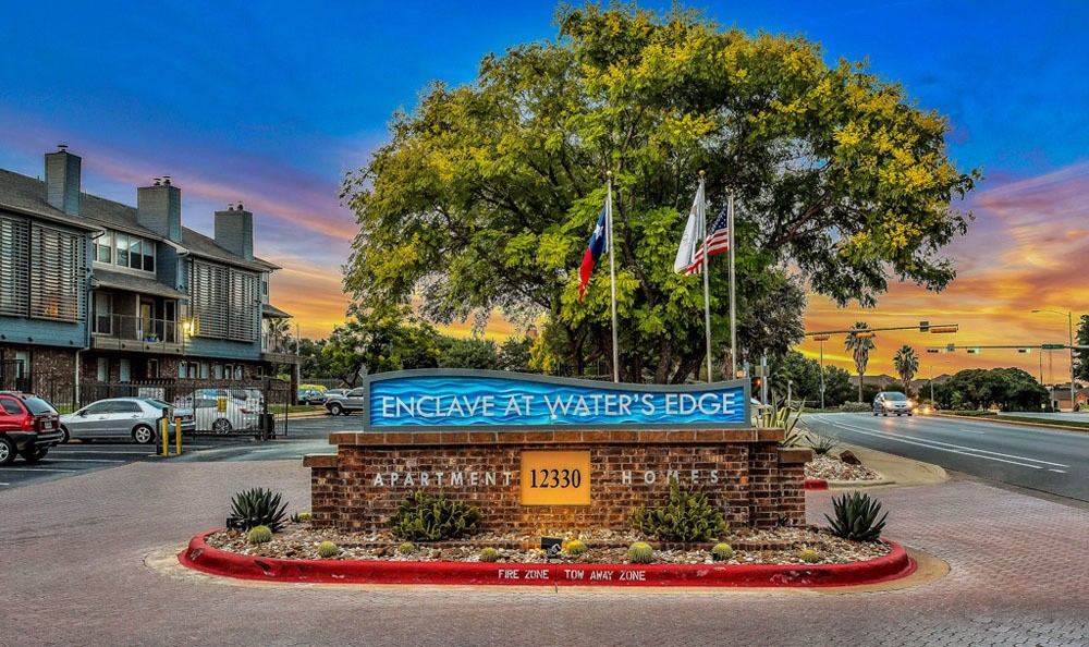 Welcome to Enclave at Water's Edge Apartments In Austin TX