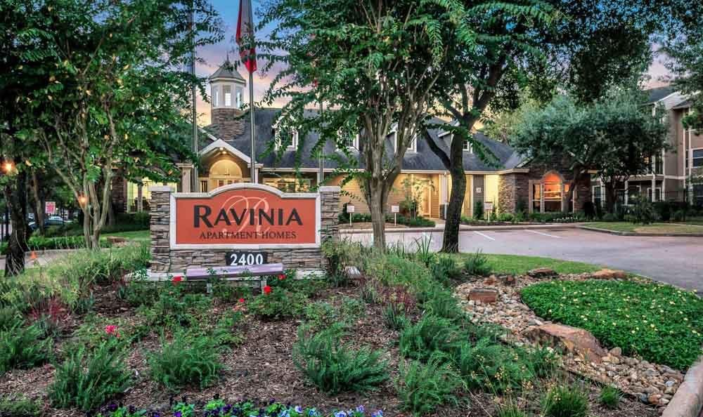 Welcome to The Ravinia Apartments In Spring TX