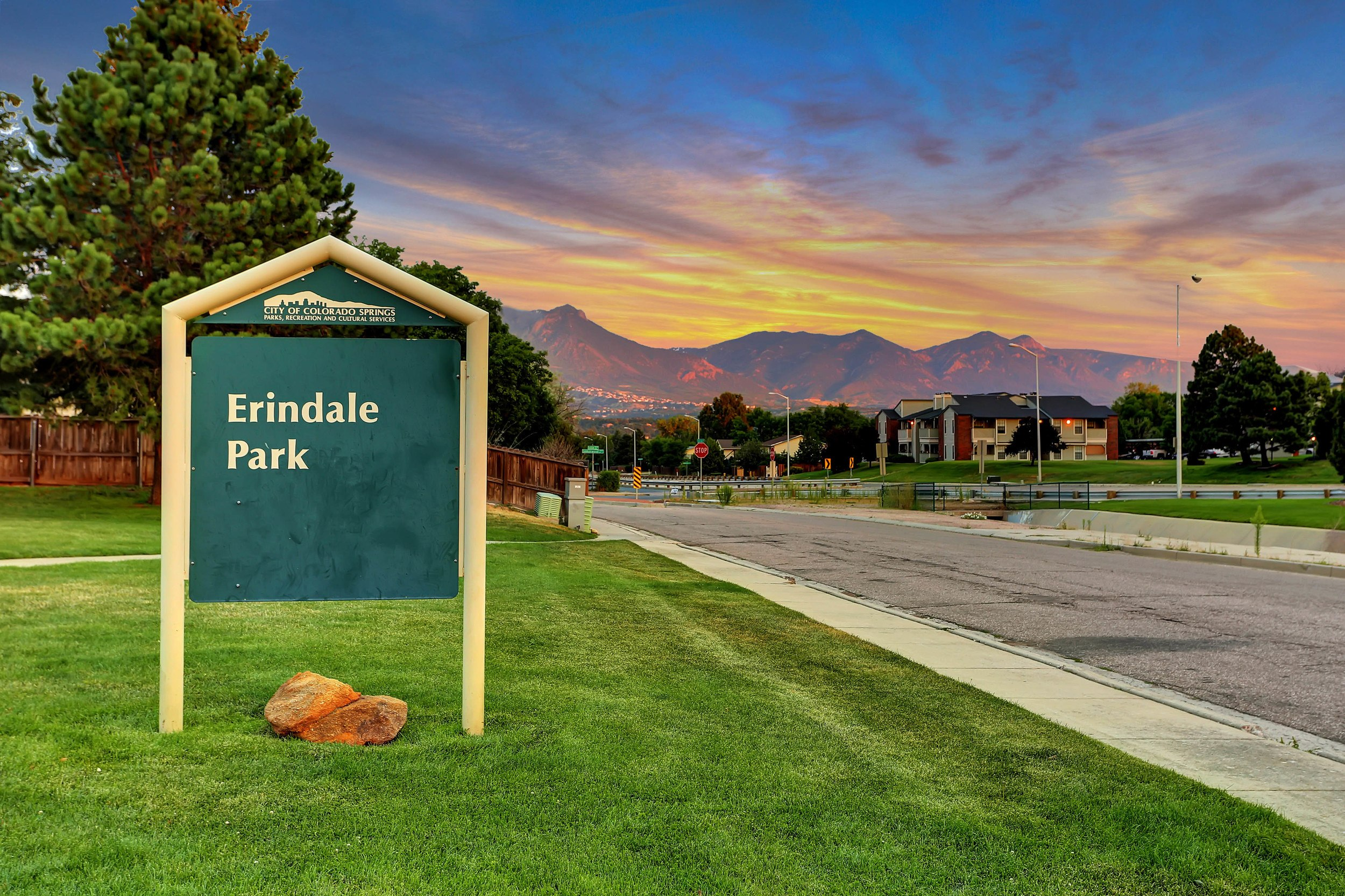 Erindale Park At Lamplight Square at The Park In Colorado Springs CO