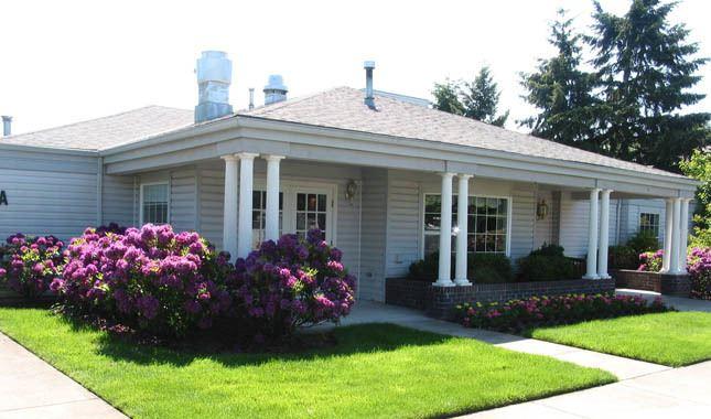 Exterior of Farmington Square Eugene, senior living in Eugene, OR