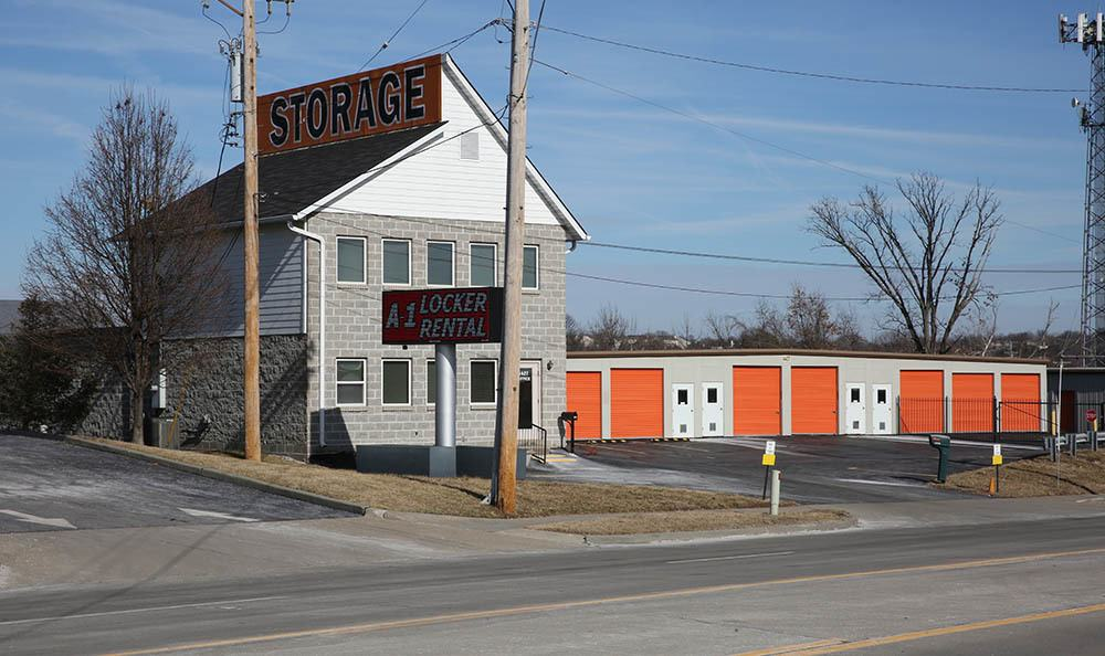 Exterior view of self storage facility in St. Louis, MO