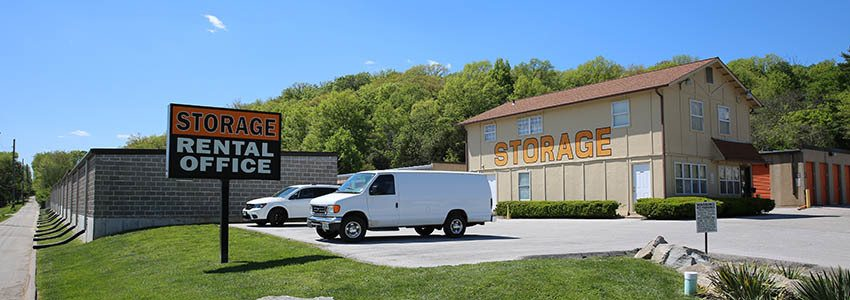 Easy to find self storage in Fenton, MO