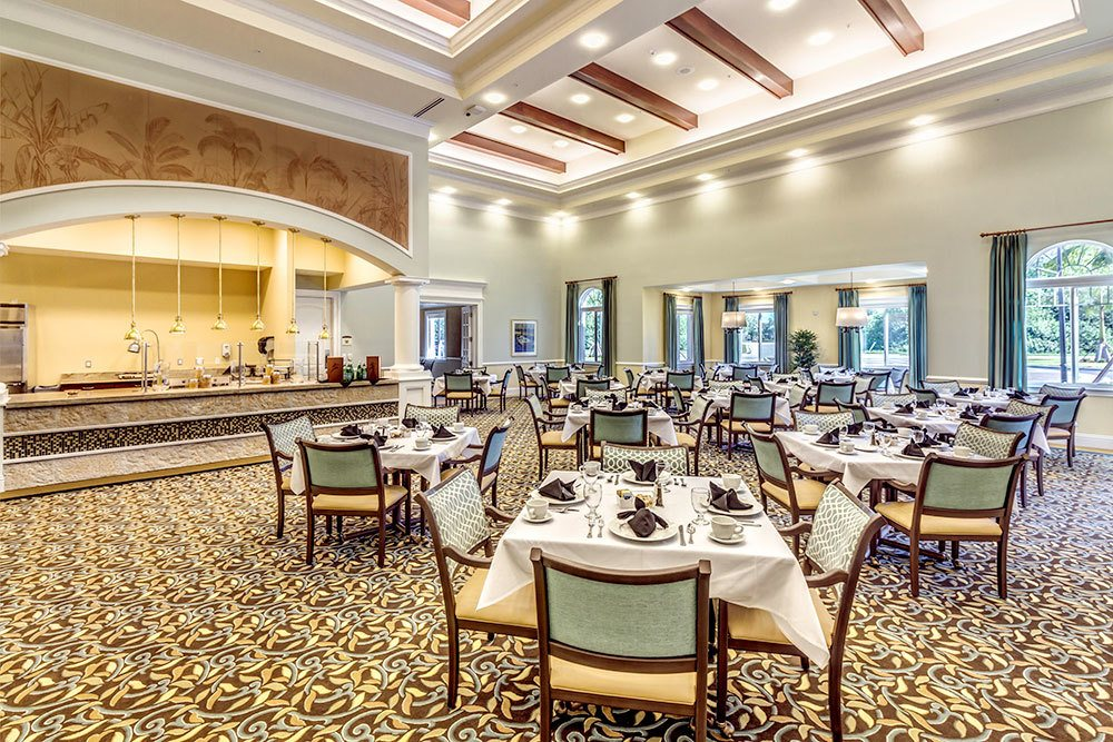 Visual tour discovery village at naples in naples fl for Senior living dining room