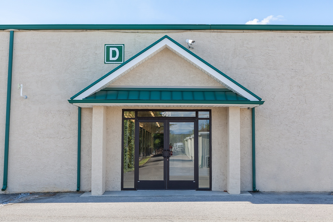 Johnson City self storage has a clean exterior building