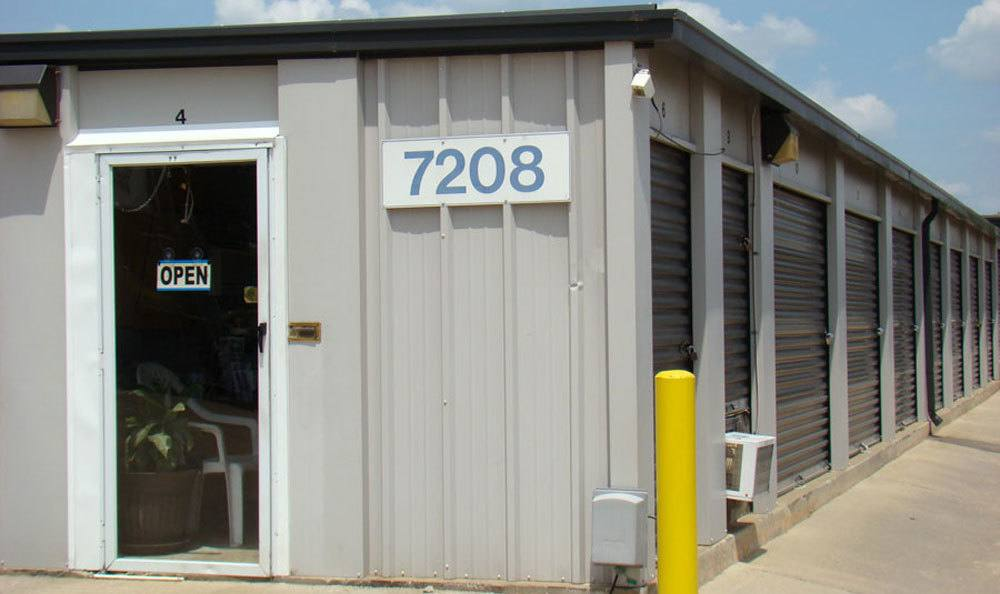 Self storage in Summit, NC