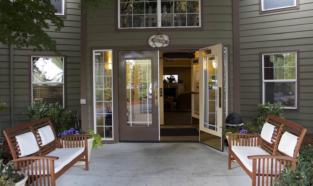 Our welcoming entrance to senior living facility in Salem, OR