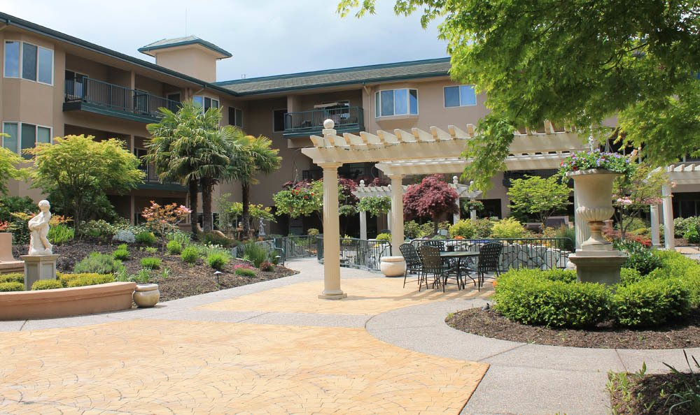 Expertly landscaped senior living facility in Medford
