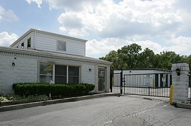 Nearby Oakbrook Terrace, IL Storage - 680 Route 83