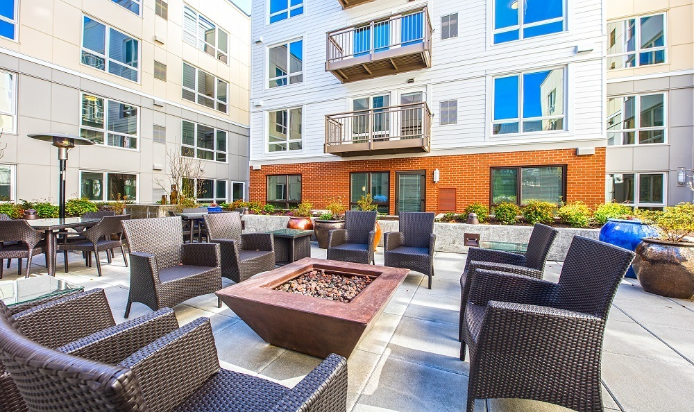 Courtyard firepit The Meyden Bellevue WA Apartments