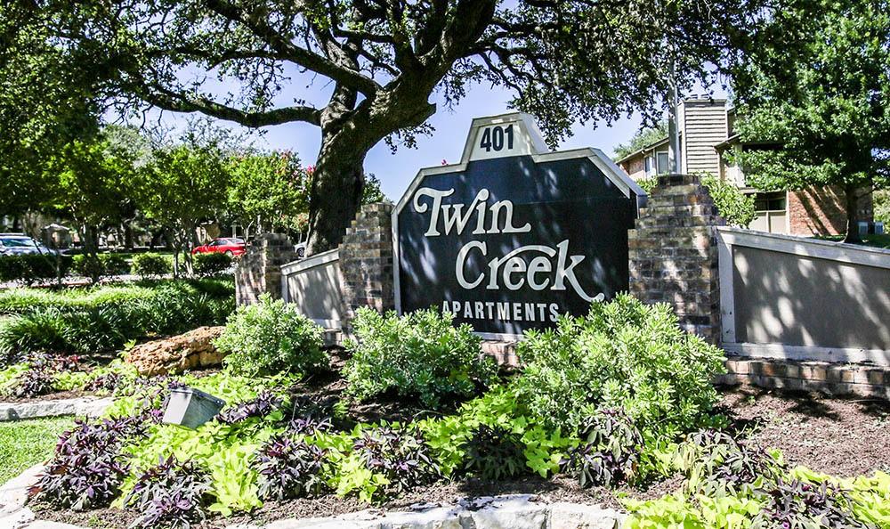 Twin Creek community entrance