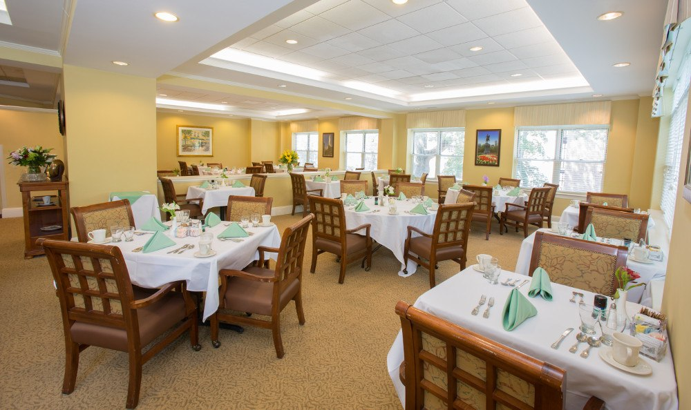 Dining Hall at  Senior Living at Chestnut Park at Cleveland Circle.