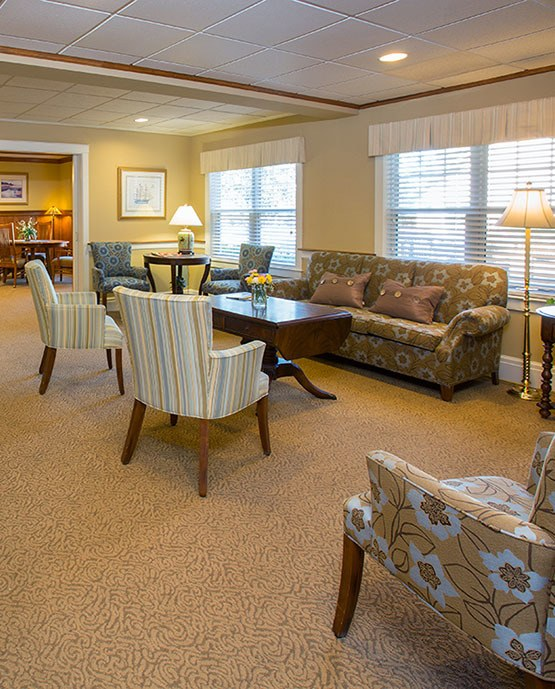 Assisted living at Bay Square at Yarmouth in Yarmouth, ME