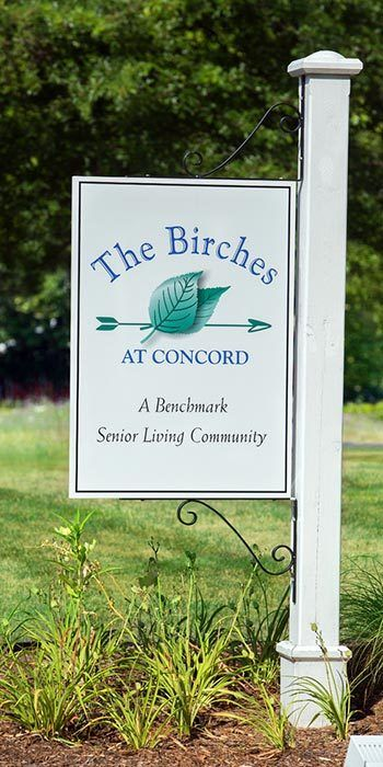 Memory care dining in The Birches at Concord, Concord