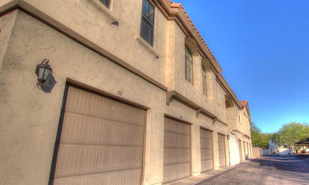 Exterior Views Of Garages Ar Chuparosas Apartments