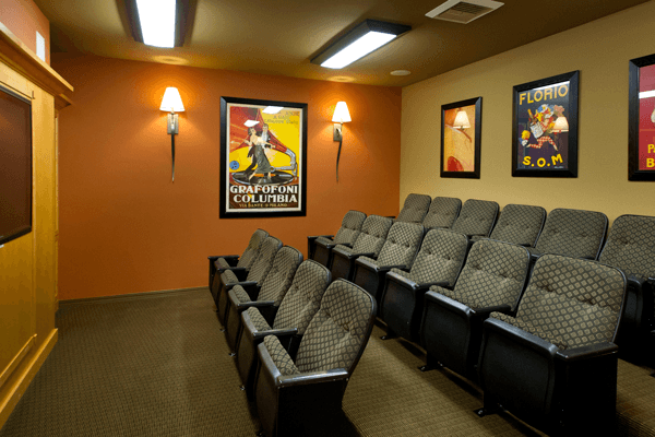 Sammamish apartments for rent have a theater
