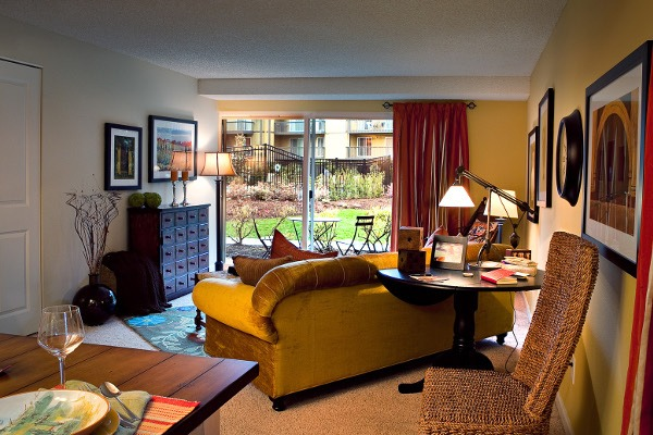 Spacious rooms at Bellevue apartments